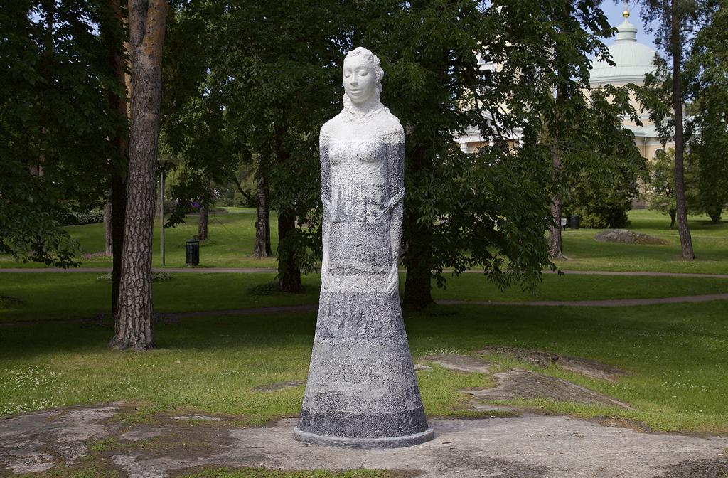 Public artwork: Elämäntanssi, 2015 Kotkan Isopuisto Foto: Ilkka Halso